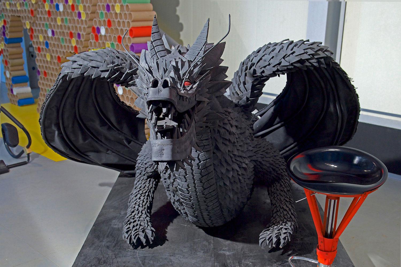 обязательно быть фото изделий из покрышек драконы чиновник возглавляет