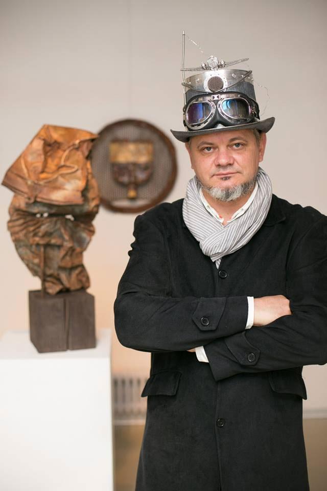 Автор Музея Мусора МУМУ - Сикорский Андрей Владимирович