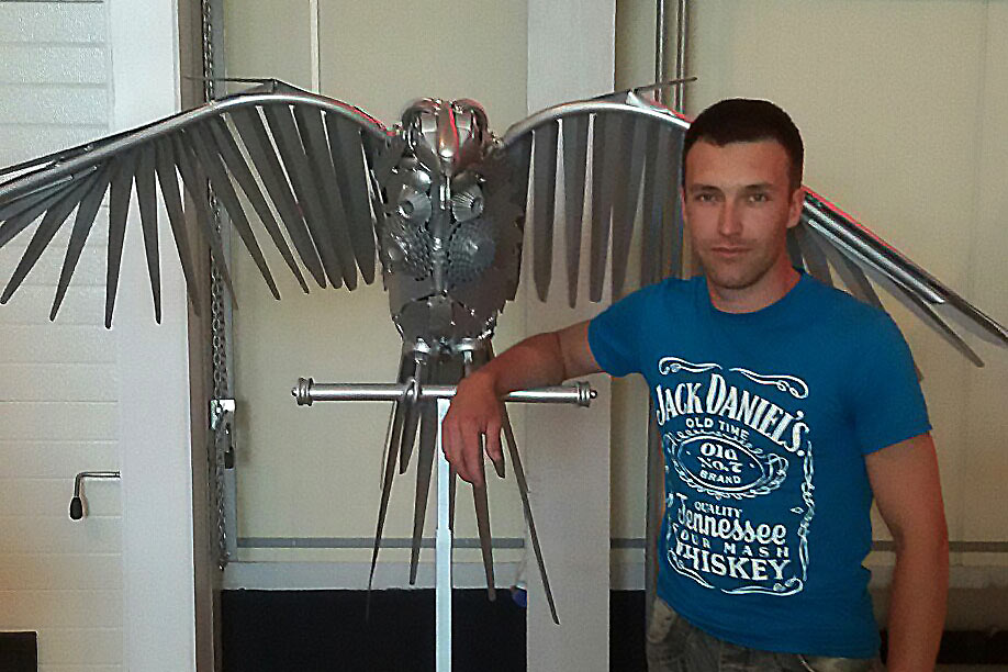 Чисто металлический попугай КЕША. Музей мусора МУ МУ