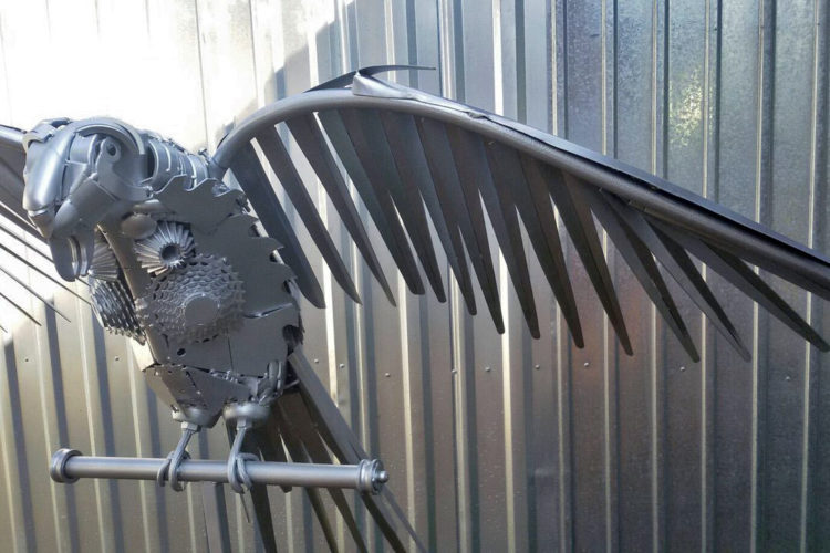 Чисто металлический попугай КЕША