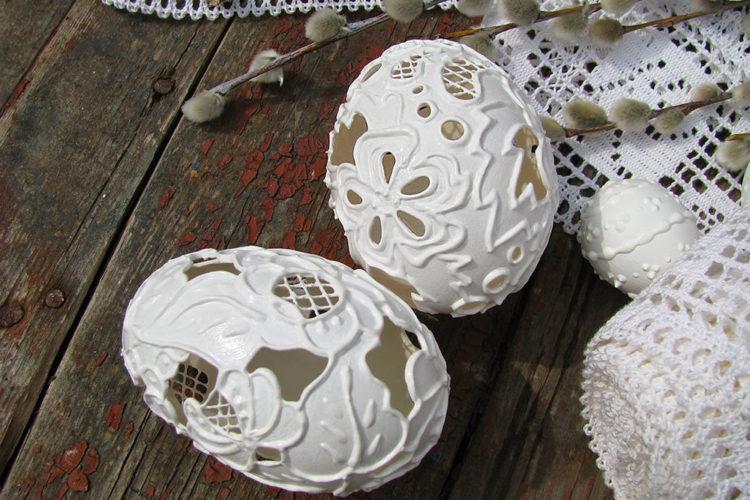 Роскошные утиные яйца, декорированные в стиле «вышивка ришелье»