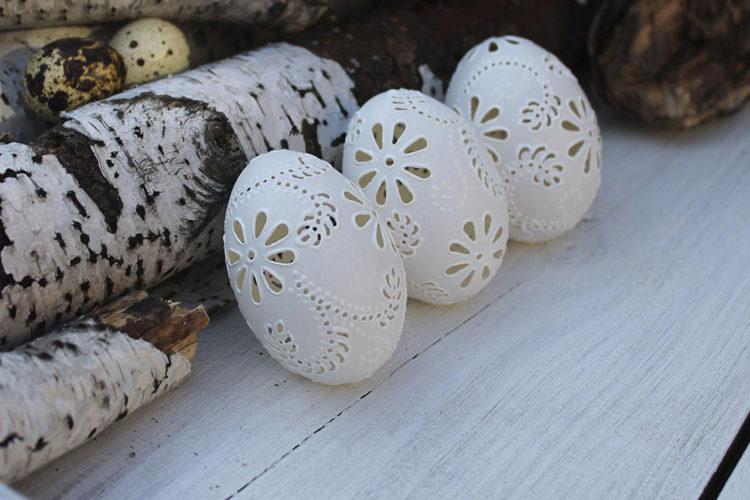 """Роскошные утиные яйца, декорированные в стиле """"вышивка ришелье"""""""