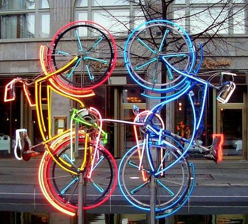 Работа Роберта Раушенберга в Берлине, сделанная из старых велосипедов