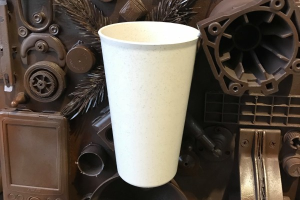 """Многоразовые эко-стаканчики для кофе теперь можно приобрести в «МУ МУ» - Новости. Музей МУсора """"МУ МУ"""""""