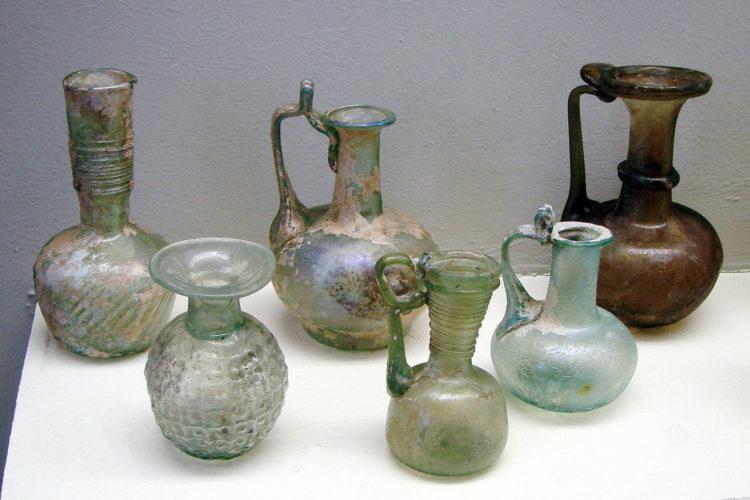 Круговорот стекла - от витража до бутылки и обратно