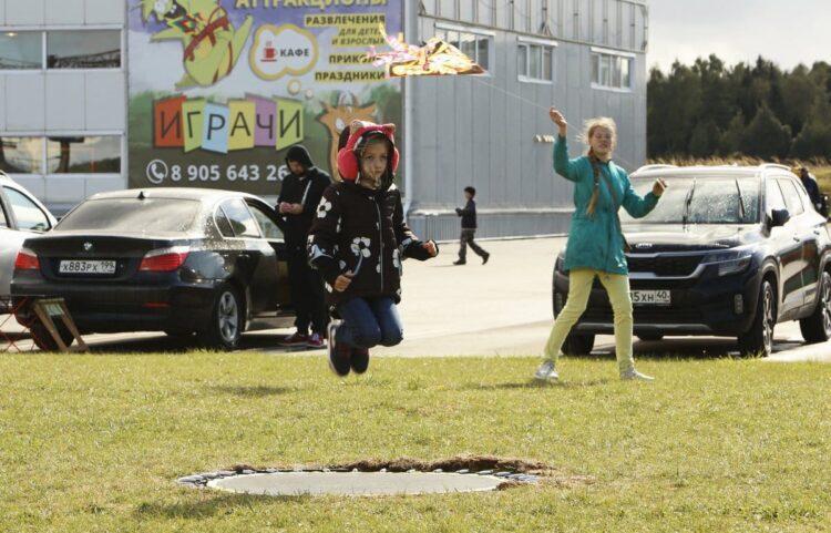 Первый семейный фестиваль воздушных змеев «Грачи»